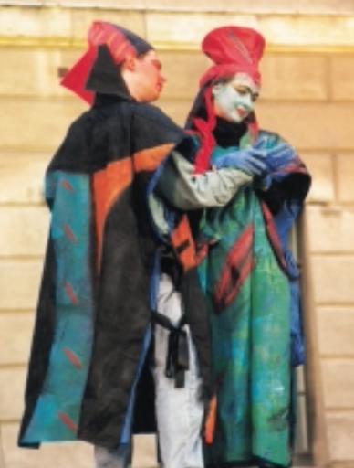 """""""Béatrice et Bénedict"""" von Hector Berlioz – Operninszenierungen im Innenhof des Hauptgebäudes der Humboldt-Universität"""